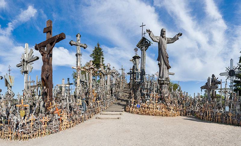 Kryziu Kalnas 'Hill of crosses'